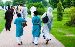 Russische moslemische Mädchen jpg 256x160