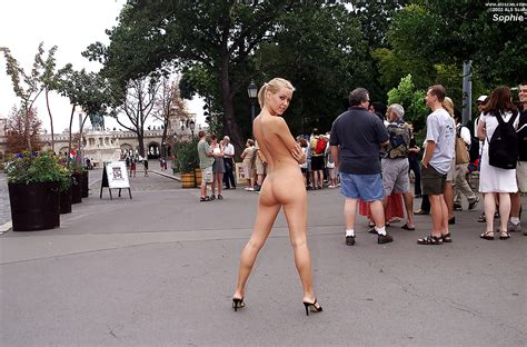 gorgeous naked fanny jpg 1024x676